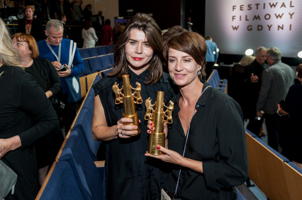 """W 2015 roku Małgorzata Szumowska (na zdj. z lewej) ze swoim """"Body/Ciało"""" była w Gdyni bezkonkurencyjna. Film zgarnął Złote Lwy. Nagrodę za reżyserię i scenariusz zamiast Szumowskiej odebrał jednak Magnus van Horn za """"Intruza""""."""