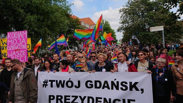 Nazwa wiecu nawiązuje do hasła na banerze podczas Marszu Równości w 2019 roku.