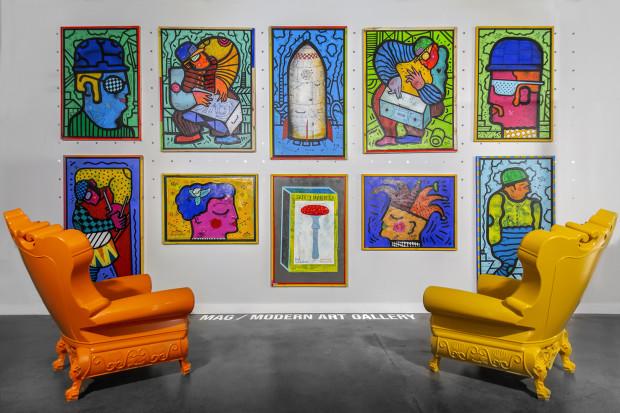 Prezentowane prace, jeśli wpadną w oko, można kupić - ceny sprzedawanych dotychczas, w zależności od artysty i wielkości obrazów, wynosiły od 1,5 tys. do 8 tys. zł.