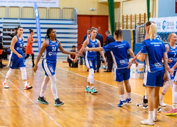 W poprzednim sezonie koszykarki AZS UG jako beniaminek utrzymały się w Energa Basket Lidze Kobiet. Wiele wskazuje, że do kolejny sezon rozpoczną jednak w I lidze.