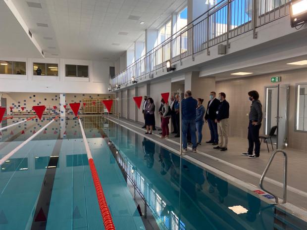 Z nowego basenu będą korzystać uczniowie ZSE i mieszkańcy.