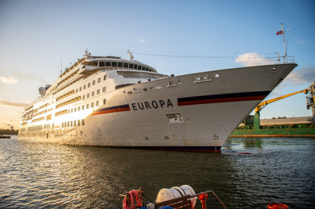 Jest to pierwszy w tym kończącym się sezonie wycieczkowiec, jaki zawita do gdańskiego portu.