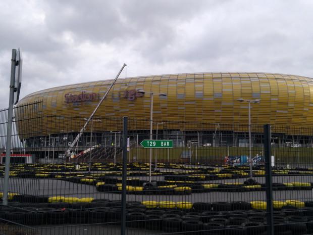 Czy czeka nas kolejna zmiana logo i nazwy stadionu? Odpowiedź poznamy przed końcem roku.