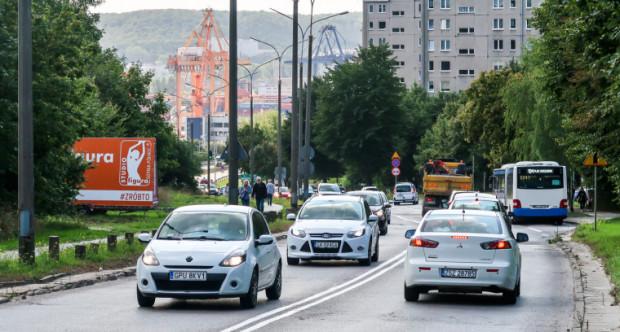 Na poszerzeniu ul. Kwiatkowskiego mają zyskać kierowcy, pasażerowie komunikacji publicznej, rowerzyści i piesi.