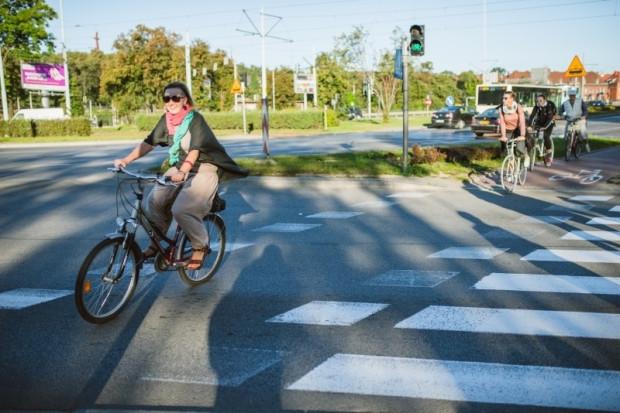 """Tegoroczna kampania odbywa się pod hasłem """"Zeroemisyjna mobilność dla każdego"""". Odzwierciedla ono ambitny cel, wyznaczony przez przewodniczącą Komisji Europejskiej Ursulę von den Leyen. Chodzi o osiągnięcie statusu kontynentu neutralnego pod względem emisji dwutlenku węgla do 2050 r."""
