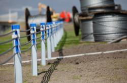Linowe bariery ochronne na autostradzie A1. Zastąpią one nieco przestarzałe stalowe bariery.
