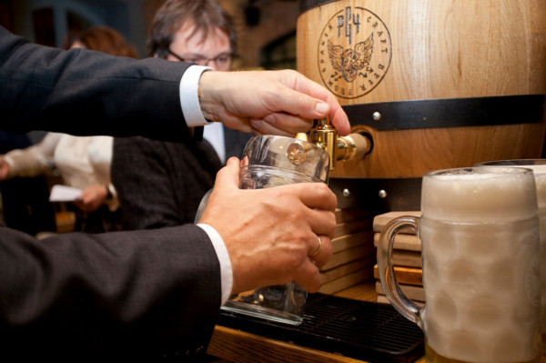 W piątek, 18 września, nastąpi odszpuntowanie beczki, z której popłynie festiwalowe piwo Złoty Oktober.