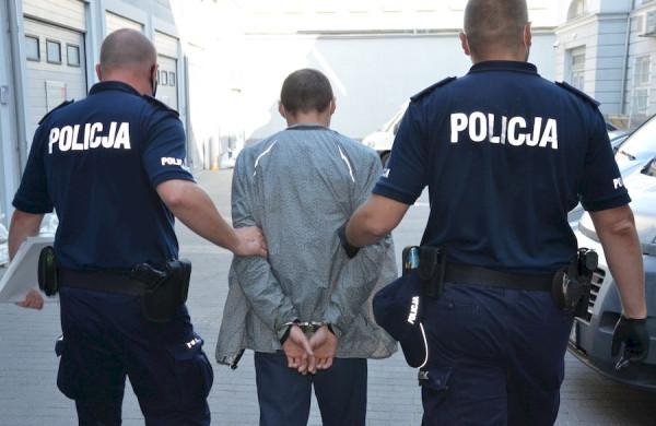 """41-latek trafił najpierw do aresztu, a następnie do zakładu karnego, gdzie odsiedzi """"zaległy"""" wyrok."""