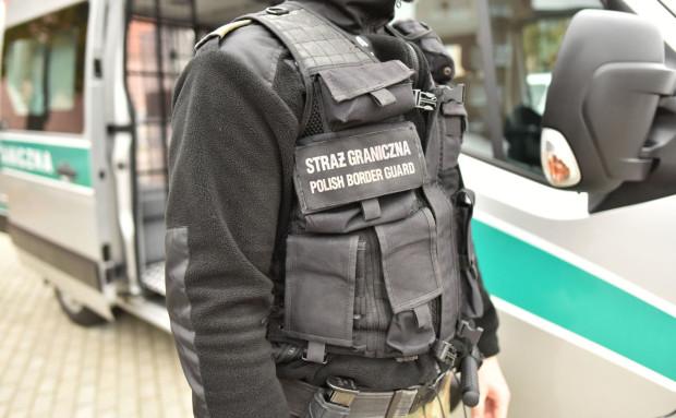 Sprawców pobicia namierzyła i zatrzymała straż graniczna.