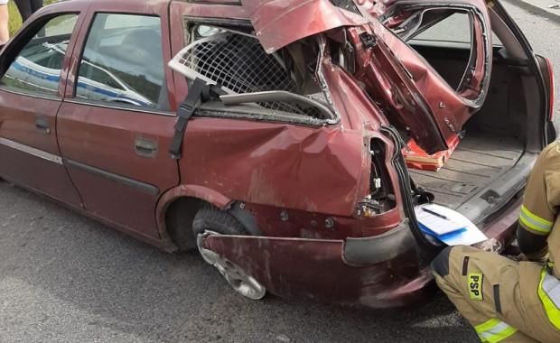 Auto rozbite przez pijanego kierowcę.