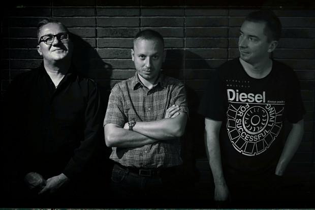 Wrześniową odsłonę festiwalu otworzy nowe trio kontrabasisty Piotra Lemańczyka.