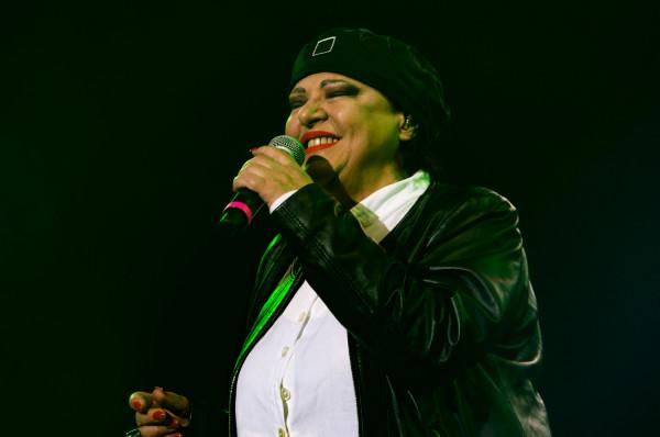 Grażyna Łobaszewska to jedna z niewielu osób, która otrzymała osobiste pozwolenie od Czesława Niemena na wykonywanie jego utworów. Na zdjęciu: artystka podczas koncertu w 2019 roku.