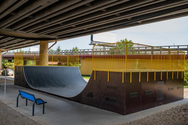 Skatepark pod estakadą Kwiatkowskiego jest już dostępny dla chętnych.