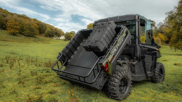 Polaris oferuje swoim klientom pojazdy rekreacyjne, sportowe i typowe woły robocze.