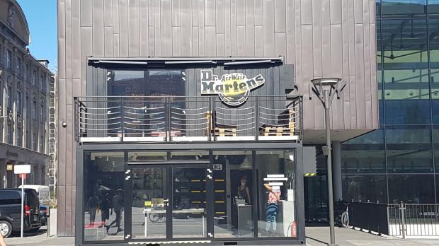Tak teraz wygląda Kunszt Wodny. Front budynku zasłonił sklep obuwniczy.
