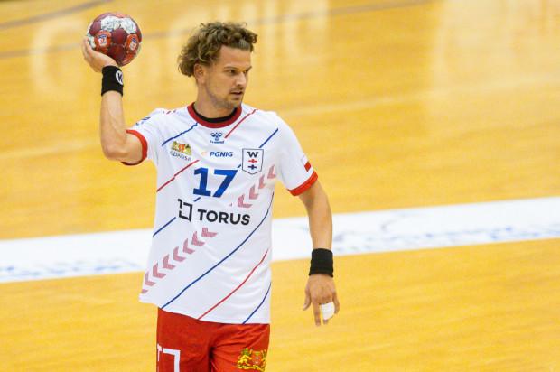 Jacek Sulej zdobył 6 bramek dla Torus Wybrzeża Gdańsk w Szczecinie, ale w decydującym momencie to on nie wykorzystał rzutu karnego i szansa na remis przepadła.