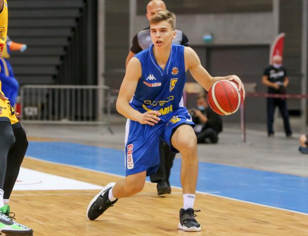 Michał Pluta zadebiutował w Asseco Arce Gdynia w wygranych derbach Trójmiasta z Treflem Sopot.