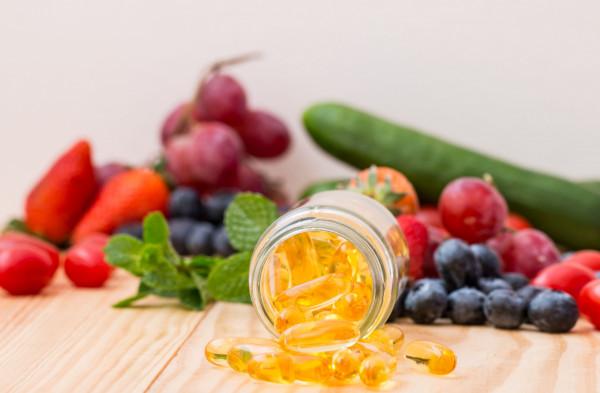 Zwłaszcza w sezonie jesienno-zimowym, kiedy do naszej skóry nie docierają promienie słońca, ważna jest suplementacja witaminy D3.