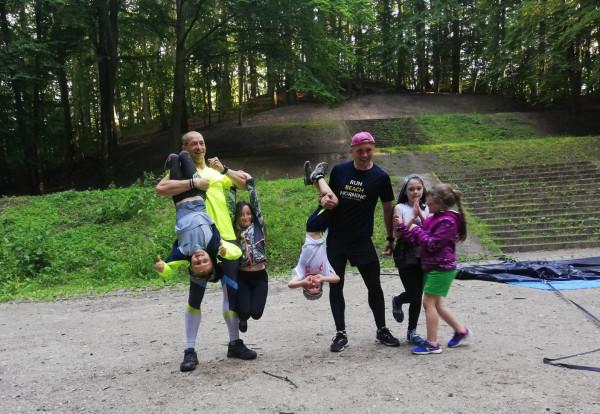 Ninja Squad to zajęcia dla najmłodszych miłośników zajęć terenowych typu biegi OCR, prowadzone w Teatrze Leśnym. Na pierwszy trening można przyjść za darmo.