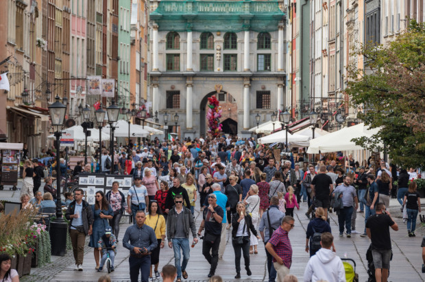 Tego lata w Trójmieście turystów nie brakowało, chociaż było ich mniej niż w poprzednich sezonach, co przełożyło się na mniejsze zyski osób zajmujących się najmem krótkoterminowym.
