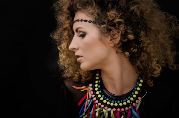 Zespół Farba znany jest z żywiołowości na koncertach i charyzmy wokalistki - Joanny Kozak.