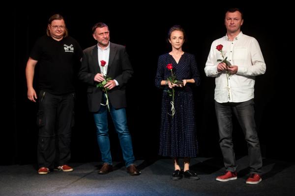 Finaliści Gdyńskiej Nagrody Dramaturgicznej, od lewej: Przemysław Wojcieszek, Michał Lachman, Malina Prześluga-Delimata, Piotr Rowicki. Nieobecny w Gdyni był Jarosław Jakubowski.