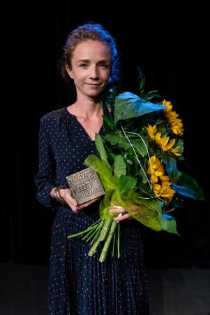 """Laureatką Gdyńskiej Nagrody Dramaturgicznej została Malina Prześluga-Delimata za tekst """"Debil"""", poświęcony osobom niepełnosprawnym."""