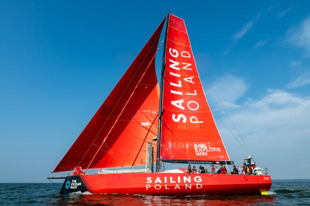 Załoga Sailing Poland zorganizowała własne regaty, w których rywalizuje z siostrzaną jednostką z Litwy. Ściganie się z jednostką tej samej klasy to kolejny element przygotowań do  wokółziemskich regat The Ocean Race.