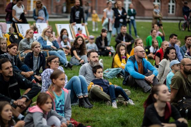 Europejska Noc Naukowców w Hevelianum przyciąga rodziców z małymi dziećmi, a także całkiem niezależnych i samodzielnych nastolatków. To bez wątpienia wydarzenie rodzinne.
