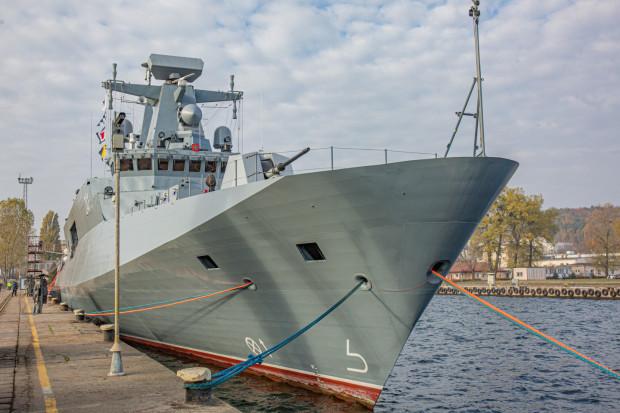 Jednostka trafiła do służby w listopadzie ub. roku. Weszła w skład Dywizjonu Okrętów Bojowych 3. Flotylli Okrętów.