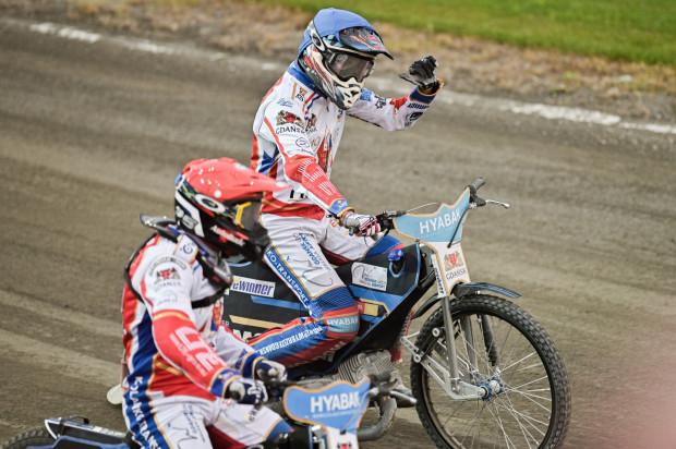 Rasmus Jensen (kask niebieski) zostaje w Zdunek Wybrzeże Gdańsk na kolejny sezon.