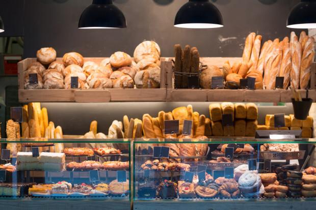 Obecnie piekarnie oferują ogromny wybór pieczywa. Każdy fan takich wypieków powinien znaleźć coś dla siebie.