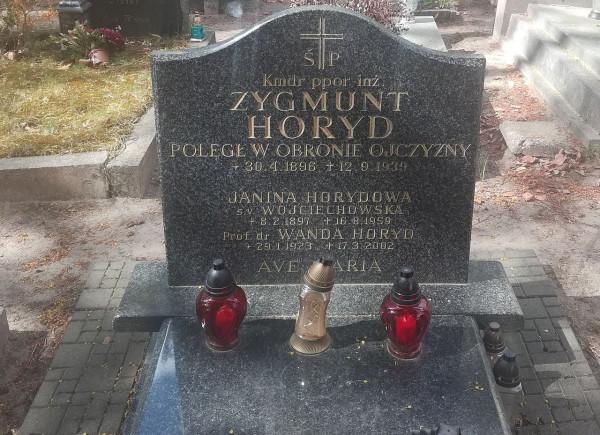Grób komandora Zygmunta Horyda na Cmentarzu Witomińskim w Gdyni.