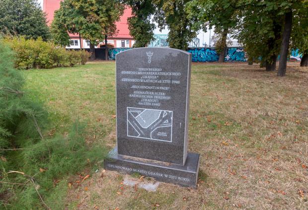 Podczas komisji wyszło na jaw, że Wydział Geodezji nie wiedział o funkcjonowaniu cmentarza, choć o jego historii przypomina tablica pamiątkowa ustawiona w 2007 r.
