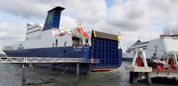 Polskie Linie Oceaniczne mają dziś dwa statki, adodatkowo zarządzają jednym należącym do innego armatora.
