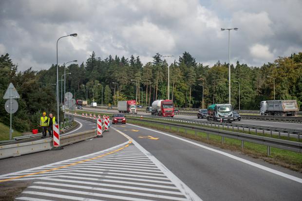 Utrudnienia dotyczą kierowców jadących obwodnicą z Gdyni w kierunku Łodzi.