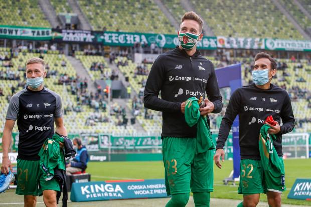 Koronawirus znów zmienia plany trójmiejskich sportowców. Jedni tak jak piłkarze Lechii Gdańsk (na zdjęciu) muszą przekładać mecze, inni będą musieli zagrać bez kibiców.