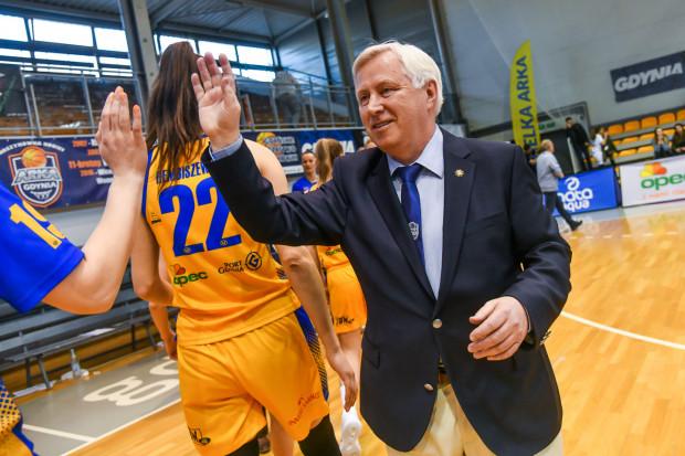 Prezes Bogusław Witkowski przyznaje, że widzi więcej plusów, niż minusów w kwestii dwóch zespołów koszykarek z Gdyni w Energa Basket Lidze Kobiet.