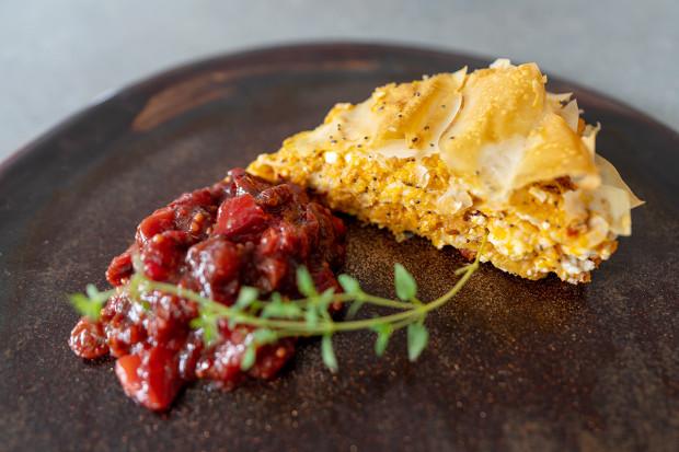 Śliwki i dynia to produkty, za pomocą których można miło i bardzo smacznie kreować swoje kulinarne fantazje. Na zdjęciu: pyszna jesienna zapiekanka.