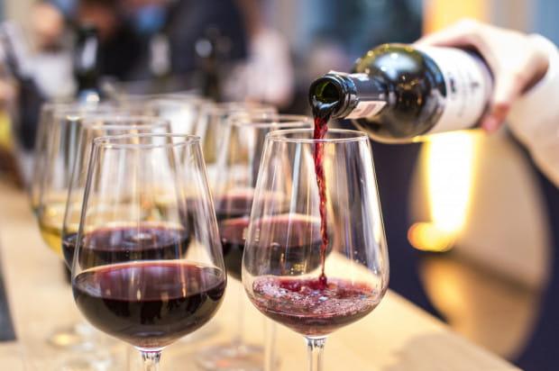 Czerwone wina to najpewniejsza propozycja na jesienne wieczory.