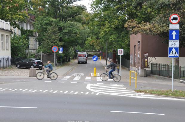 Do końca roku potrwa analiza ewentualnej możliwości przywrócenia pierwotnej organizacji ruchu na Piramowicza. Ale tylko pod warunkiem, że nie pogorszy to bezpieczeństwa rowerzystów.