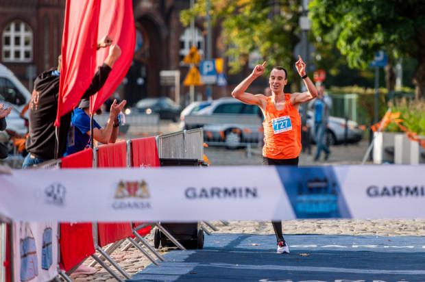 Florian Pyszel wygrał gdański półmaraton. Startował w pierwszej z trzech fal, na które byli podzieleni uczestnicy.
