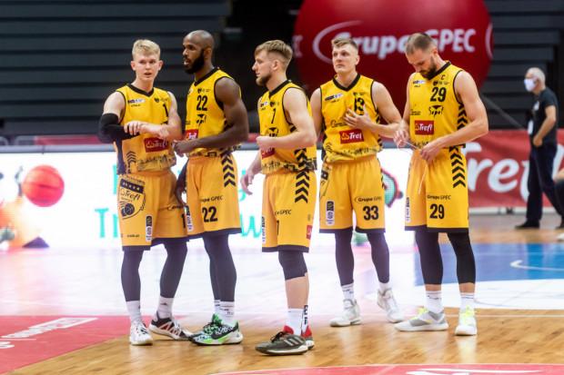 Koszykarze Trefla Sopot częściej prowadzili w meczu z Pszczółką Startem Lublin, ale z parkietu zeszli pokonani, gdyż wyraźnie przegrali ostatnie 5 minut spotkania, w które wchodzili mając 6 punktów w zapasie.