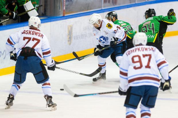 Osiem meczów, osiem porażek - to aktualny bilans Stoczniowca Gdańsk w Polskiej Hokej Lidze.