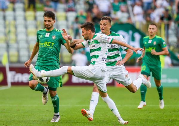 Tym razem Lechia Gdańsk nie zdecydowała się na transfery last minute i miejsca zwolnione w kadrze pierwszej drużyny na przykład przez Filipa Mladenovicia i Patryka Lipskiego (na zdjęciu) wypełnili piłkarze z rezerw lub po wypożyczeniach.