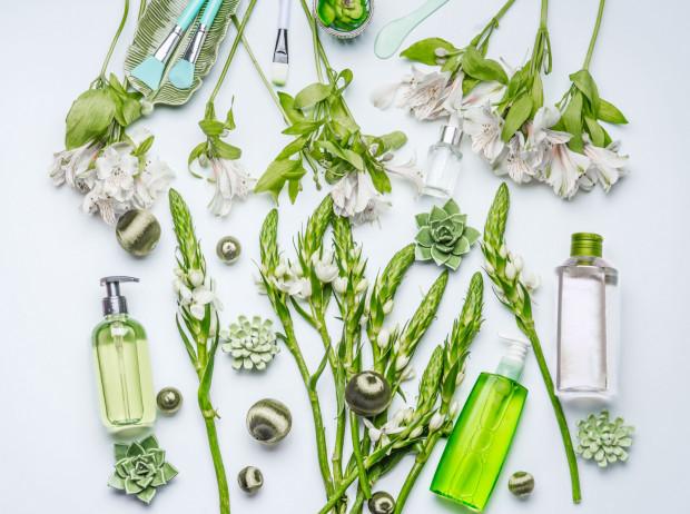 Określenie kosmetyku jako wegański niekoniecznie oznacza, że jest to produkt naturalny.