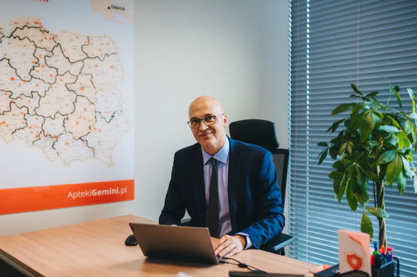 - Na prowadzenie każdej działalności ma wpływ obecna sytuacja gospodarcza, mocno korelująca z rynkiem pracy, który bezpośrednio dotyka pracowników - twierdzi Artur Sznek, dyrektor sprzedaży, członek zarządu Gemini Polska.