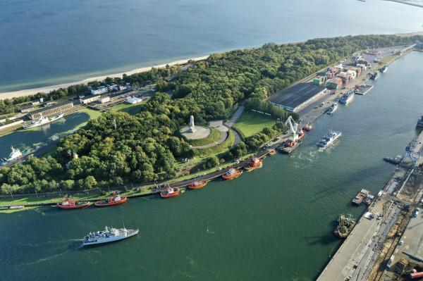 """Tak wyglądało """"wejście"""" jednostek do gdańskiego portu."""