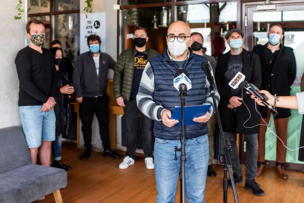 Radomir Szumełda z klubu Atelier w Sopocie wygłosił apel do rządu, w którym branża rozrywkowa domaga się podjęcia natychmiastowych działań.