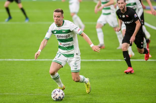 Miroslav Mihalik otrzymał pozytywny wynik testu na obecność koronowirusa po meczu Słowacja - Irlandia, a przed wyjazdem na spotkanie do Szkocji.